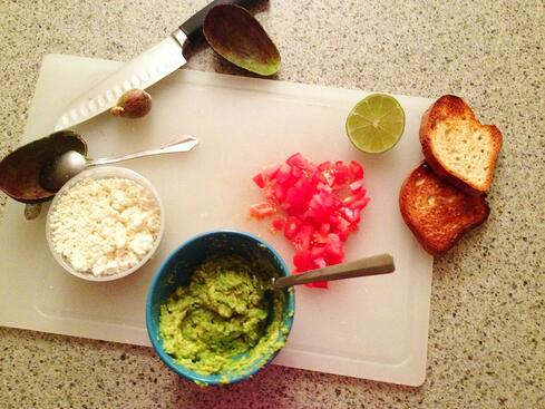 greek-avocado-toast-ingredients